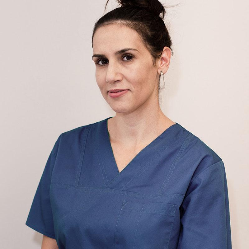 asistent medical Gabriela Andreica cabinet dermatologic, clinica D6 Cluj